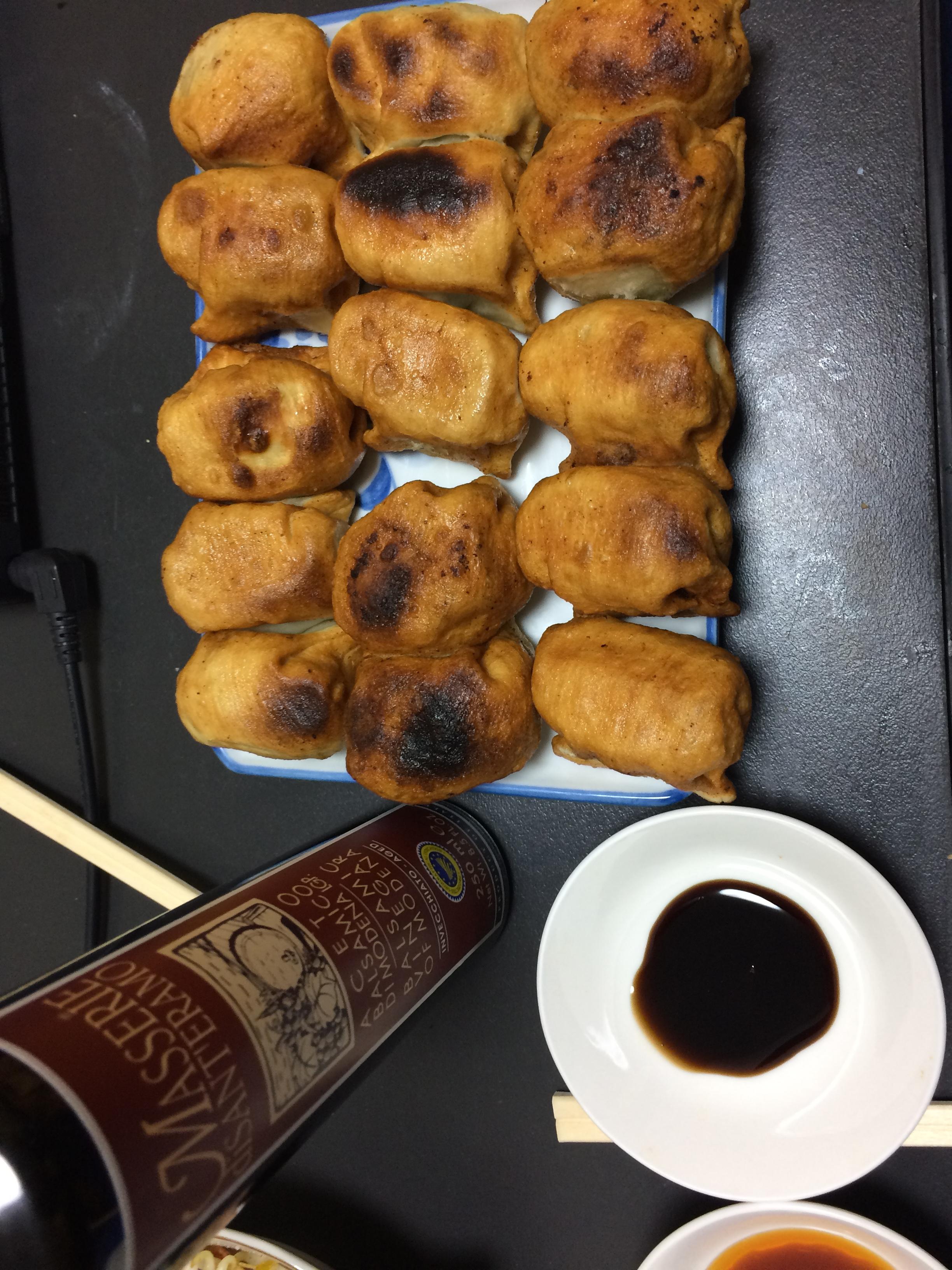 第7ギョーザ(ホワイト餃子)を持ち帰りしてバルサミコ酢で食べたらイタリアン風でウマウマだった!!